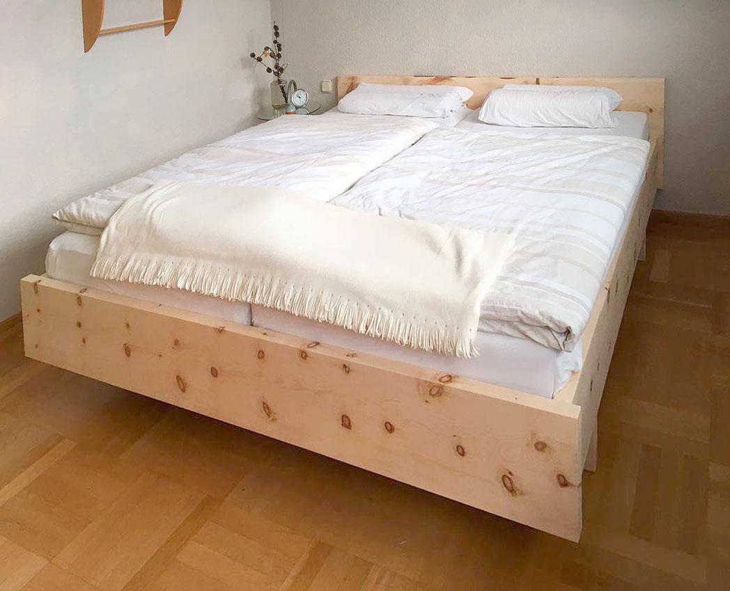 Bett Zirbenholz - 01